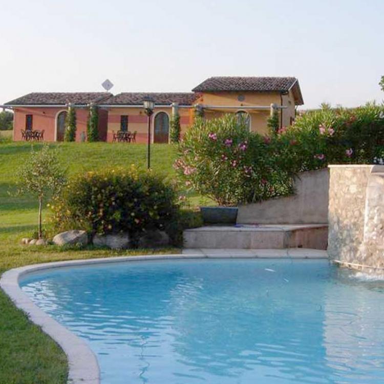 borgo_piscina